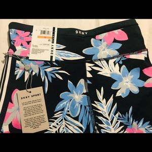 DKNY BRAND NEW PASTEL FLORAL LEGGINGS **
